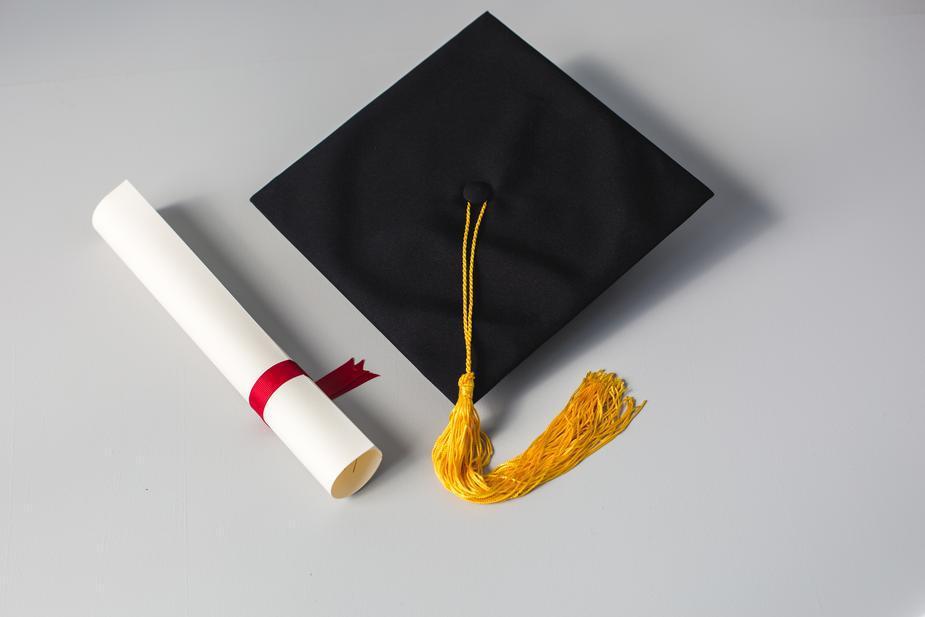 Graduation gifts: cap gold tassle red ribbon