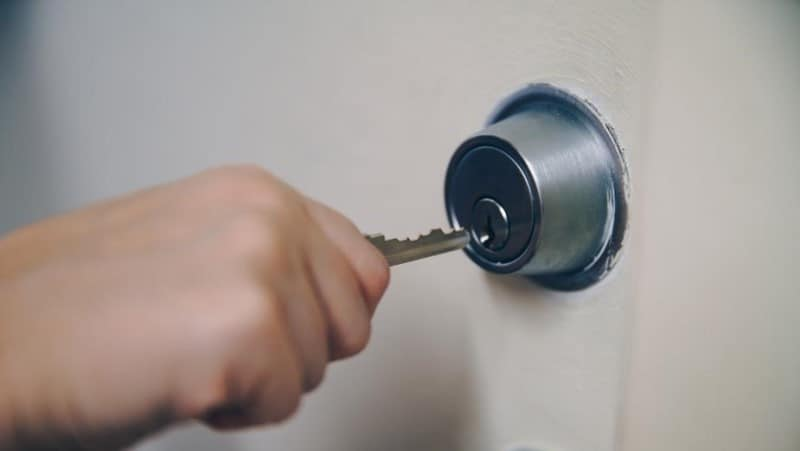 locksmith unlocking door