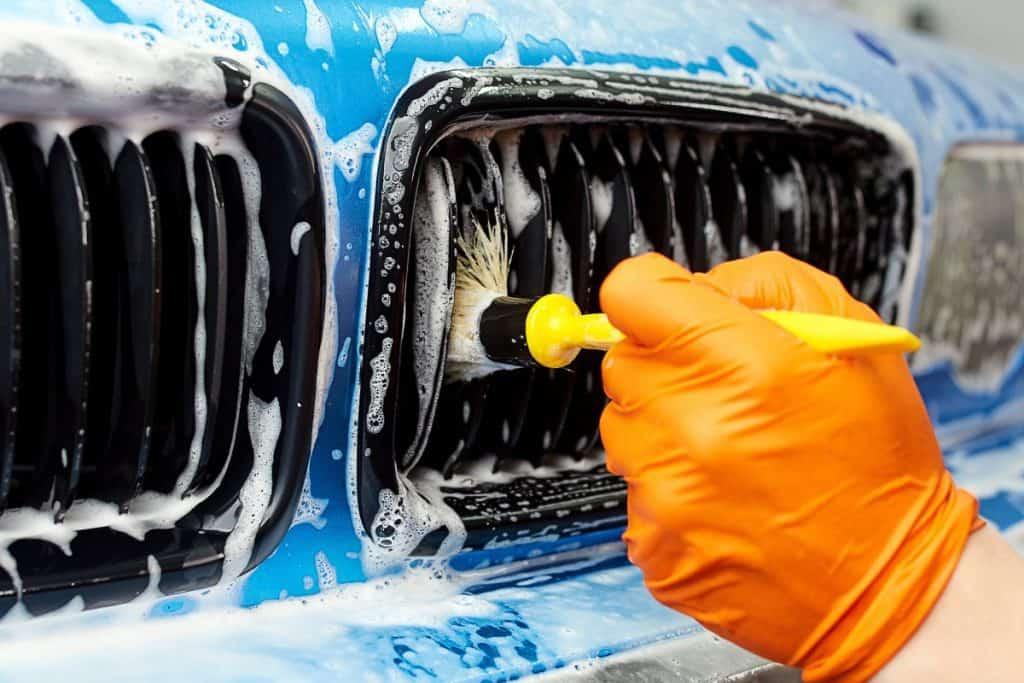 Detailing a blue BMW